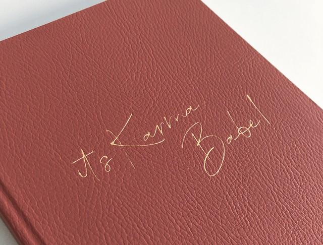 it's Karma, Babe!, Verlag:Jo & Judy / Heinen Lovebrands Überzug:Vinyl, Pellana Kundenfarbe